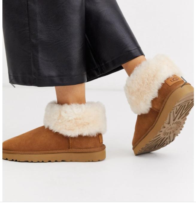 หน้าหนาวแล้ววว มาเลือกรองเท้า UGG ให้เหมาะกับเราดีกว่า !